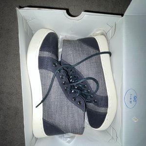 ROXY DAYTON Mid-top Sneaker